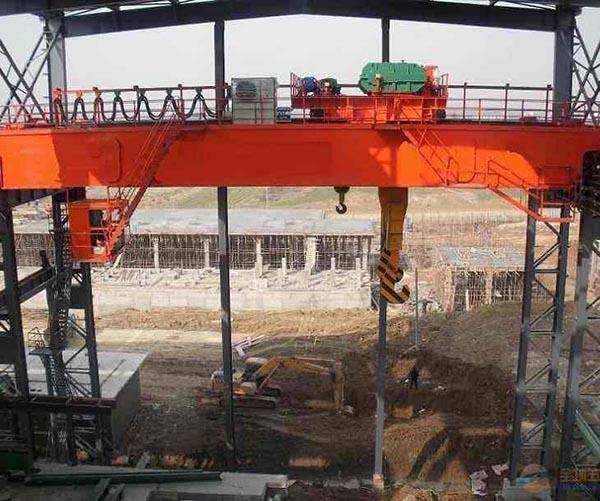 Puente Grúa, Metalúrgica, Estructura Compacta